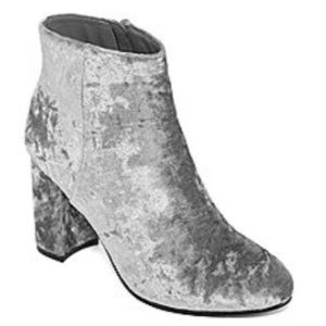 Shoes - Women's Gray velvet booties